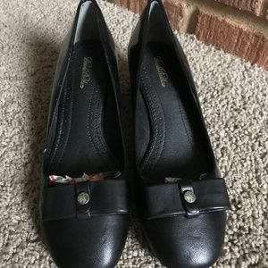 Brooks Brothers Women's Black Pumps
